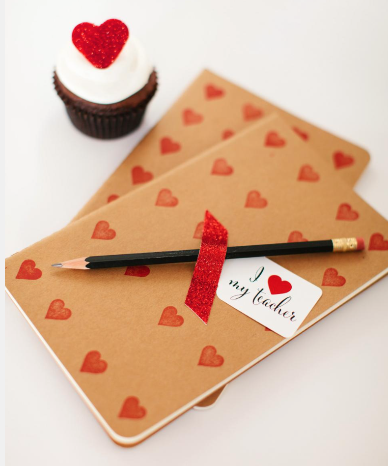 JOURNALS DIY VALENTINES DAY FABZLIST